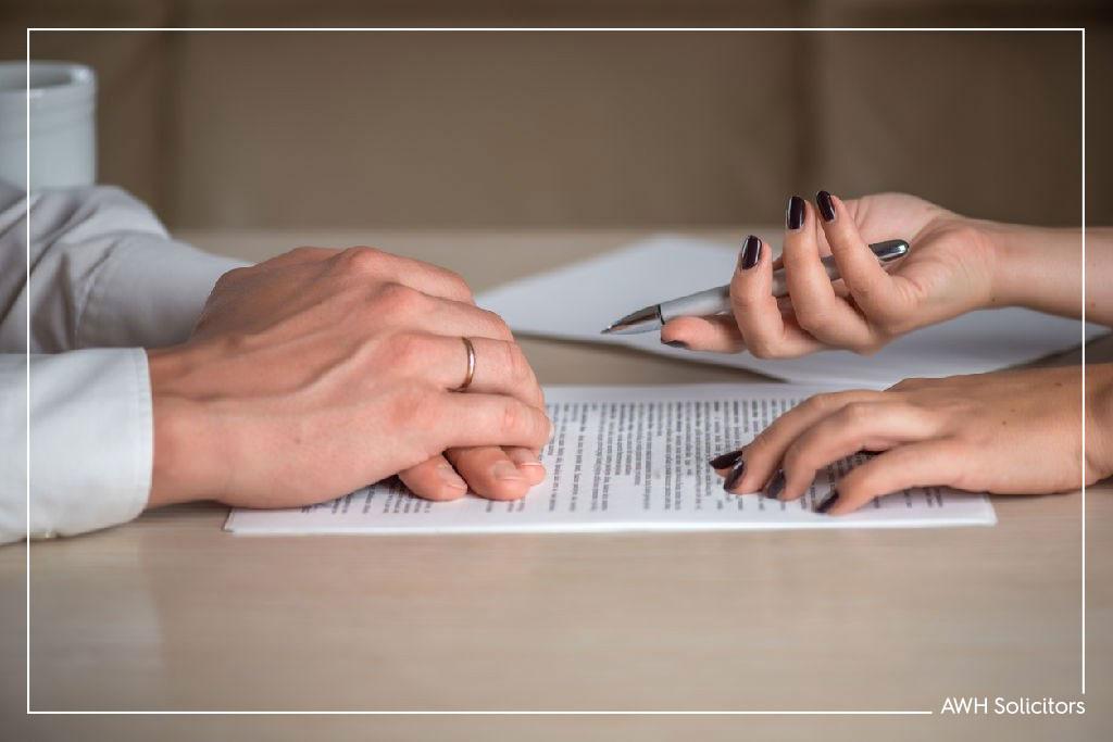 Serve Divorce Papers over Social Media